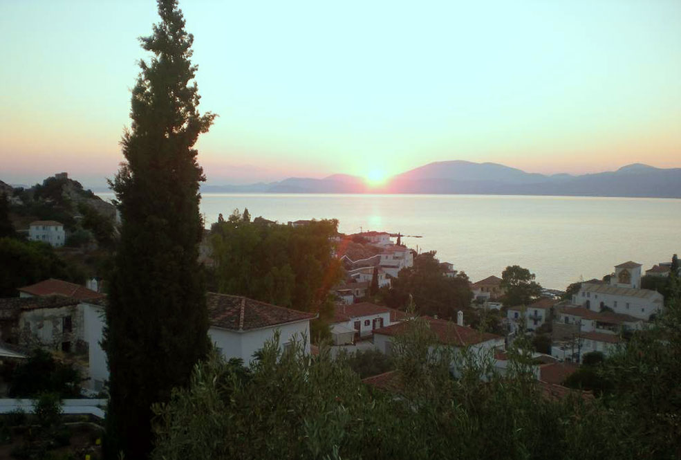 offer Home for sale in Hydra island