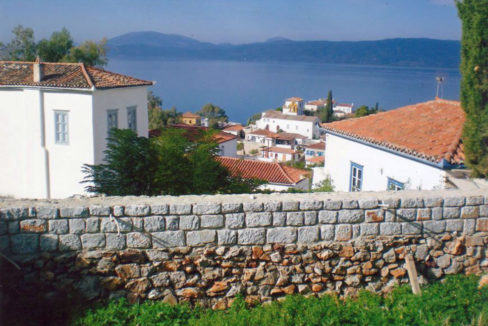 Best villa in Hydra is for sale